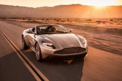 Jeden z nejhezčích kabrioletů byl oficiálně odhalen. Aston Martin představil model DB11 Volante