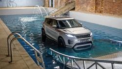 Z bazénu přímo na silnice: Ranger Rover Evoque dýchá novotou