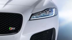 Jaguar XF přináší inovace – žádná klišé