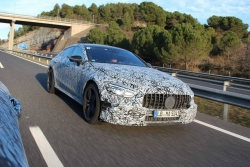 Čtyřdveřový Mercedes-AMG GT má namířeno do Ženevy