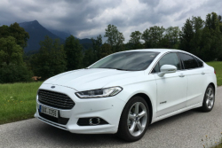 Porování: Ford Mondeo HEV vs. Ford Mondeo TDCi