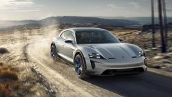 Porsche Mission E Cross Turismo představuje budoucnost elektromobilů