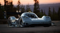 Volkswagen I.D. R Pikes Peak - elektrický bořič rekordů má políčeno na další výzvy