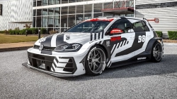 Volkswagen Golf si prošel tuningovou úpravou, výsledkem je tento postrach silnic
