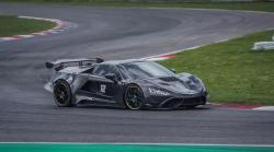 Slovinská automobilka představila nový supersportovní vůz. Doprovází ho 900 koní!