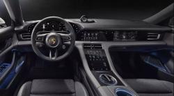 Porsche Taycan ohromilo vybavením, k dispozici bude až pět displejů!
