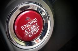 GLOSA: Je bezklíčové startování aut bezpečné a co dělat, abychom předešli odcizení?